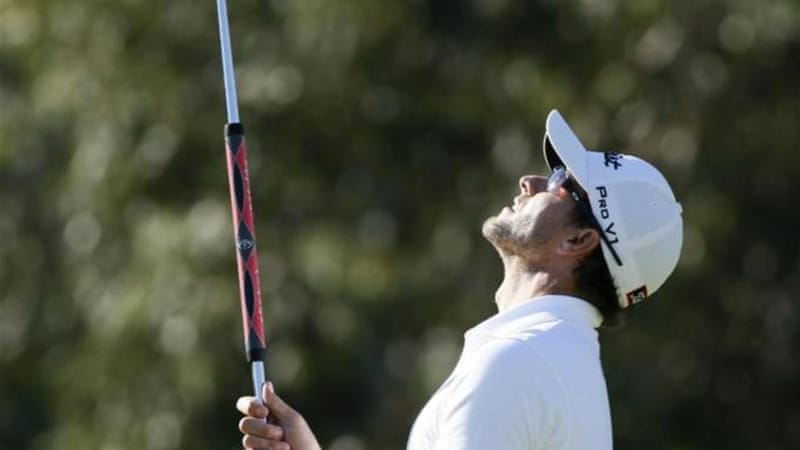 Masters winner Adam Scott is one of many golfers who now use the long length putter [Reuters]
