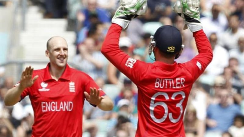 Bowler James Tredwell (L) was player of the match claiming three wickets at The Oval [AFP]