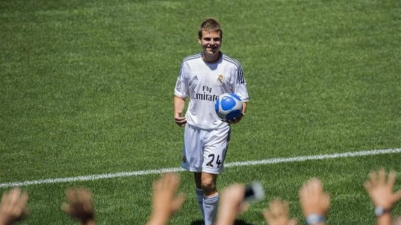 Real Madrid's newest signing Asier Illarramendi is presented to the fans at the Santiago Bernabeu [AFP]