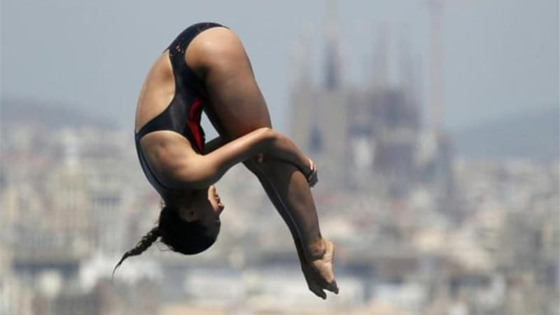 China's He Zi dives her way to world title - a year after taking gold at the London Games [Reuters]