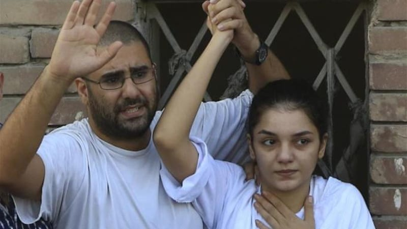 Prominent Egyptian blogger back behind bars
