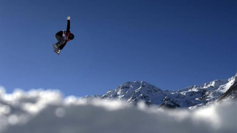 Snowboarders and the International Ski Federation have different opinions on the safety of the course [Reuters]