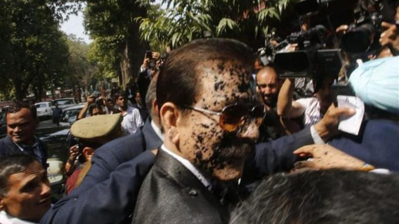 A lawyer threw ink on Subrata Roy as he arrived at the court [Reuters]