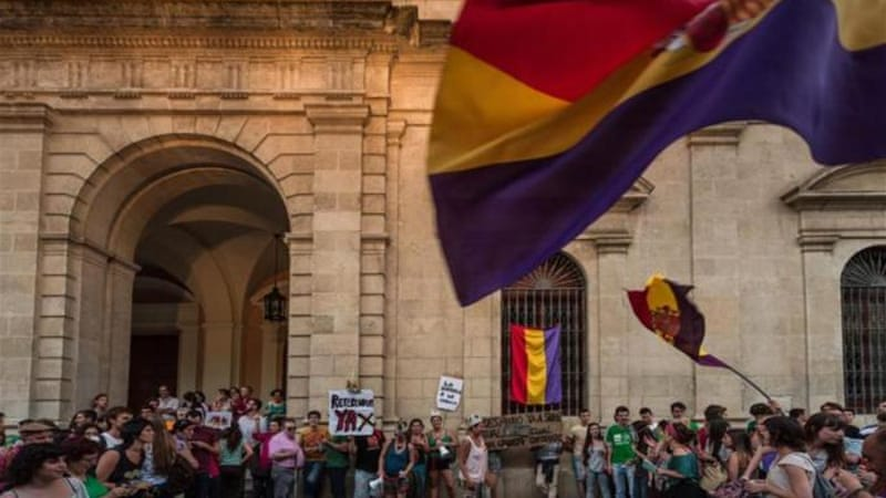 Demonstrators call for a referendum on the Spanish Monarchy after the abdication of King Juan Carlos on June 2, 2014 in Seville, Spain. [Getty Image]
