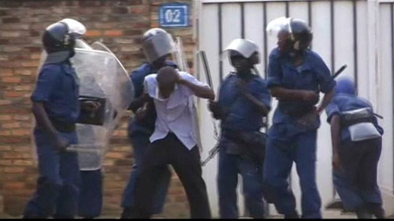 Burundi unrest: UN report condemns rights abuses