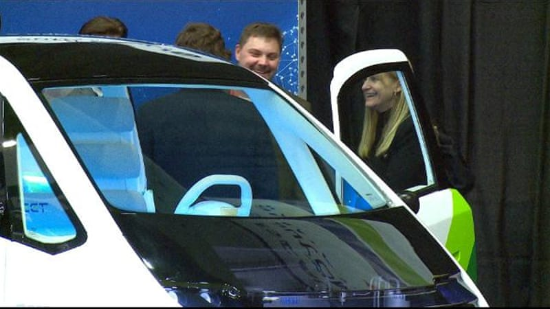 Self-driving cars showcased at Detroit Auto Show