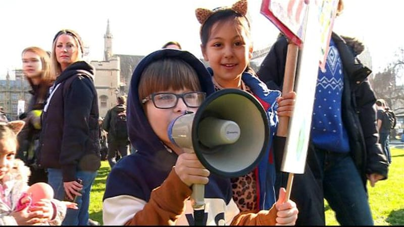 Climate change: UK children demand government action