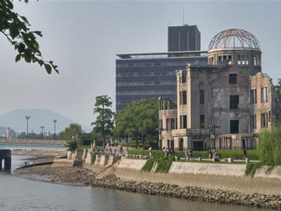 the debate over the ethics of the atomic bombing of hiroshima and nagasaki Two issues have fueled a debate over america's use of to japan for the atom bomb attacks on hiroshima and nagasaki pew research center does not.