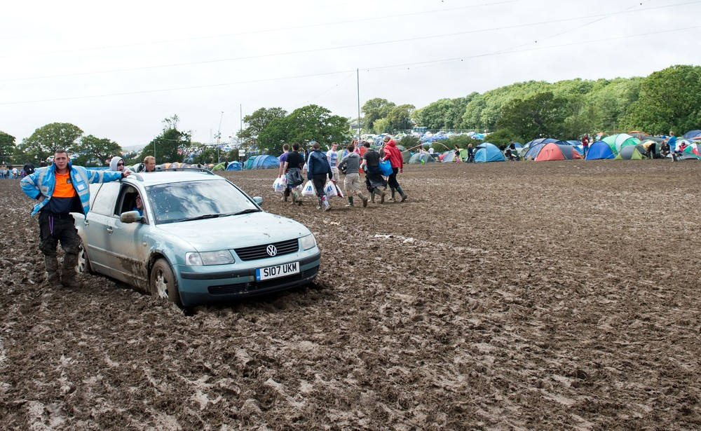 This car is going nowhere in a hurry. Hundreds of music fans have been stranded in their cars overnight after 
