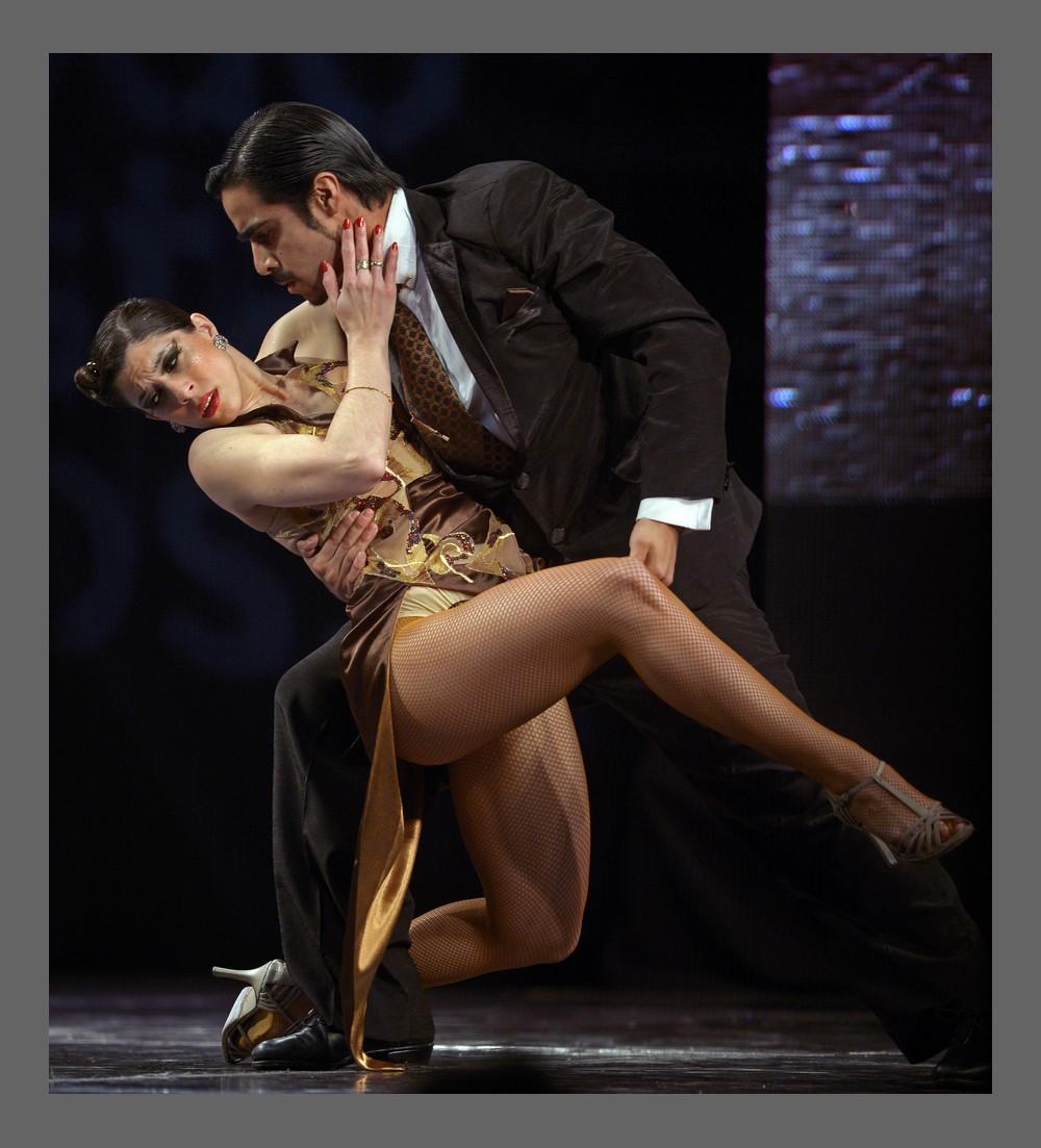 Naked girls on tango 6