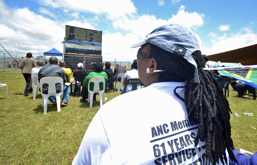 For those who could not attend the funeral, a public viewing areas were set up in Qunu.