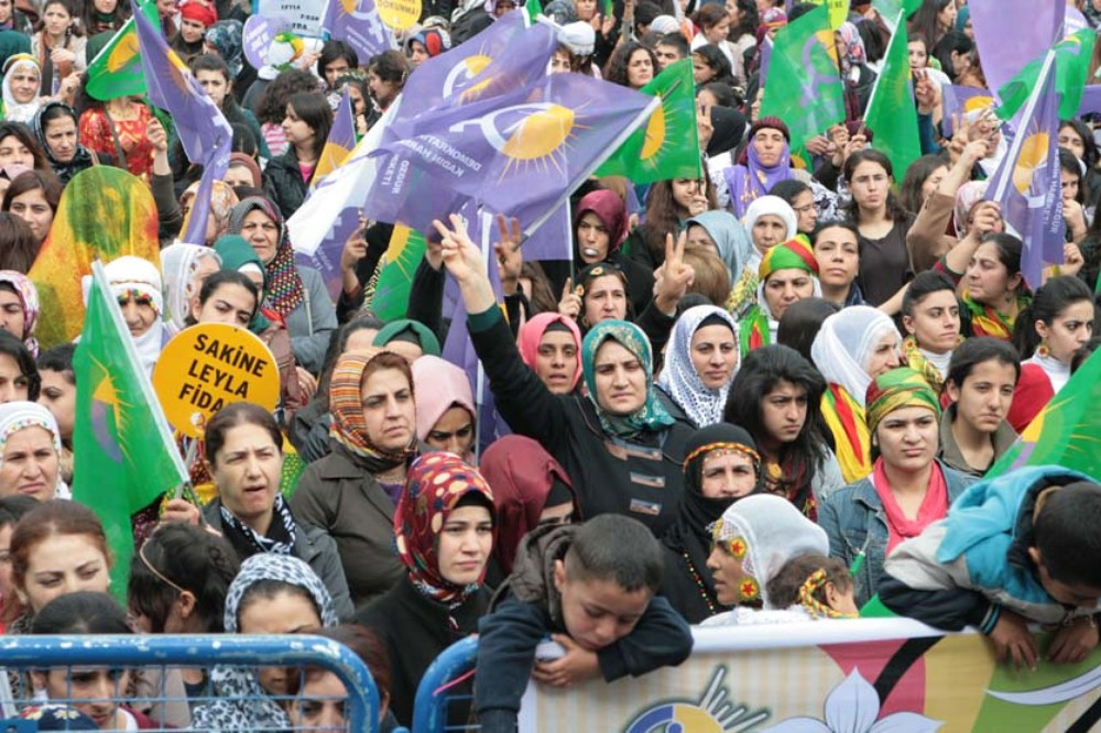Thousands of Kurdish women took to the streets to commemorate the assassination