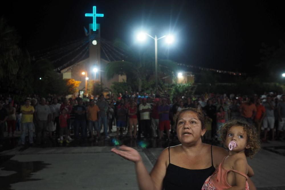 On January 10, the leader of the militia made a speech in the church square to explain to the people of Antunez the goal of their presence in the town.