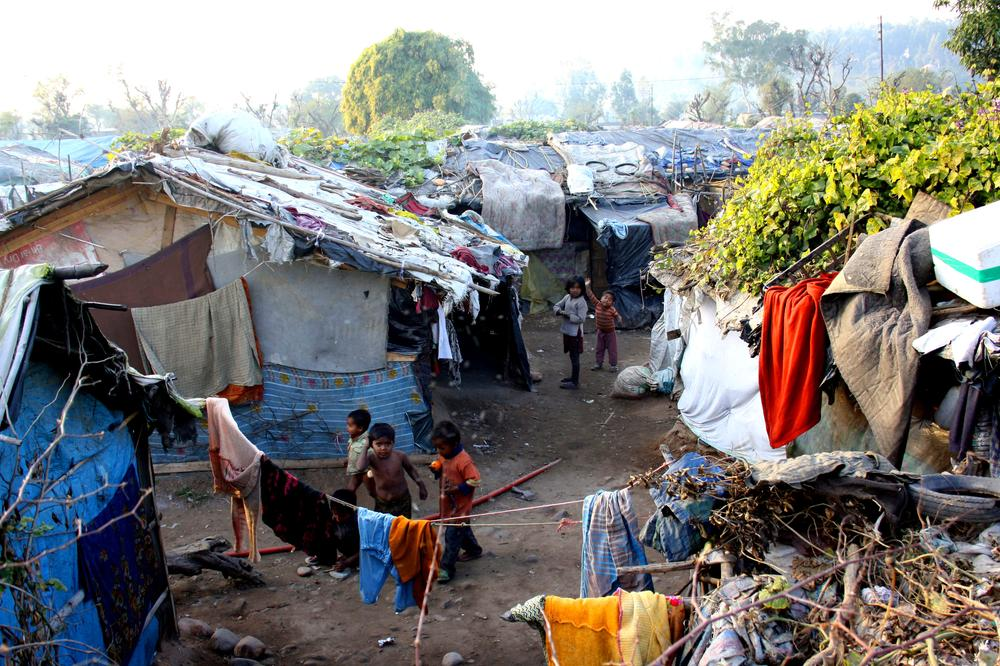 <p>Hundreds of refugee families from Myanmar now live in temporary homes across the city of Jammu. </p>