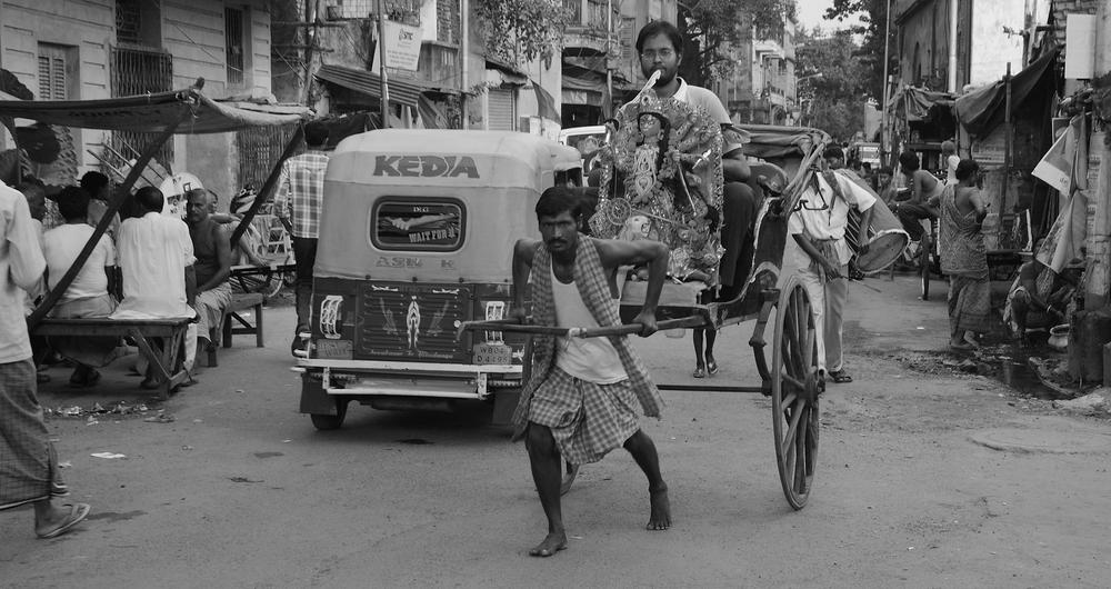 <p>Hand-pulled rickshaws are a quaint but effective mode of transport in the eastern city of Kolkata.</p>