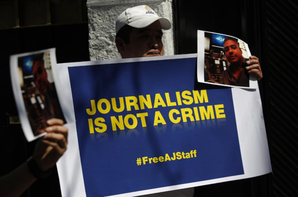 <p>[MEXICO] Journalists from international networks - as well as freelancers and members of the public - joined Al Jazeera in vigils outside Egyptian embassies across the world on Thursday 27 February.</p>