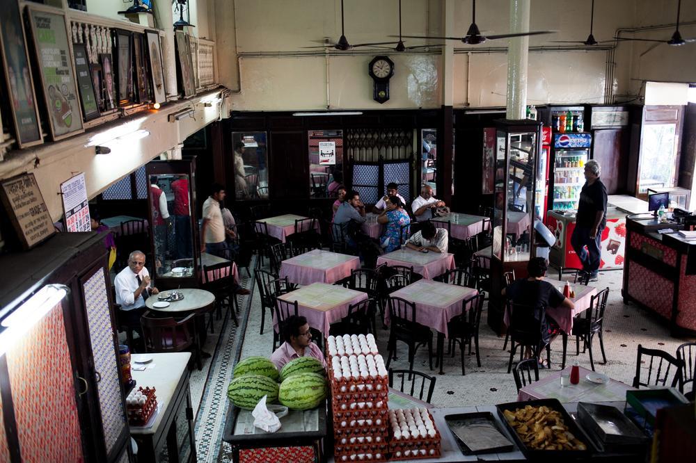In Pictures Mumbai S Dying Irani Cafes Al Jazeera
