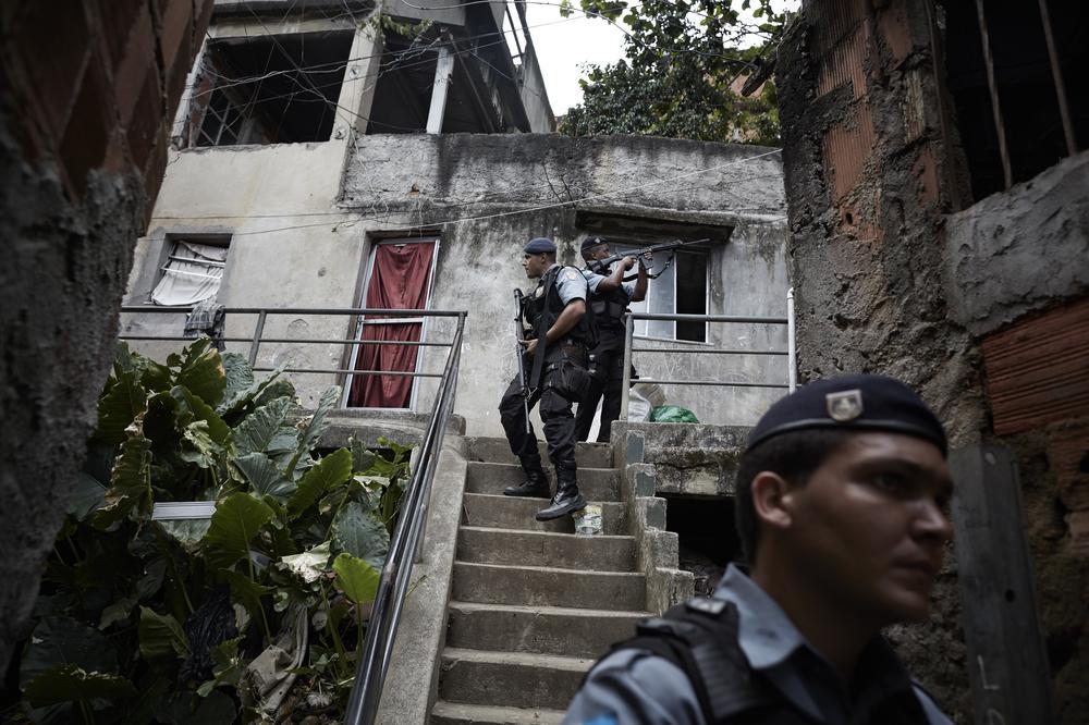 Río de Janeiro pide ayuda contra los narcos 2014419552437690_8
