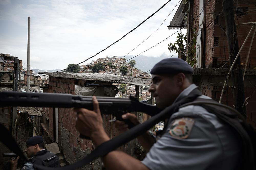 Río de Janeiro pide ayuda contra los narcos 2014419554391412_8