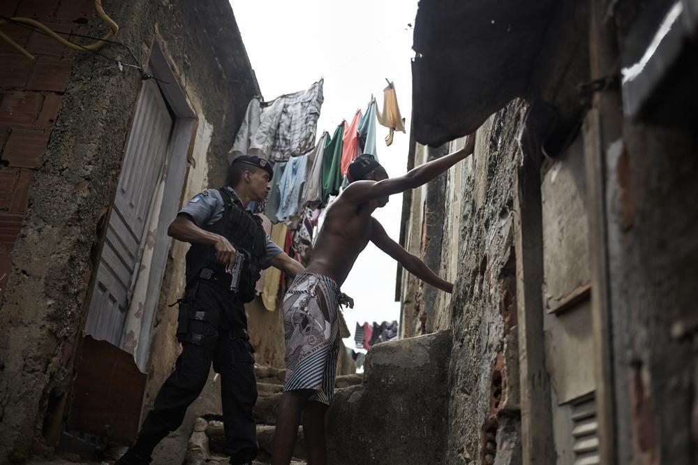Río de Janeiro pide ayuda contra los narcos 2014419558110662_8