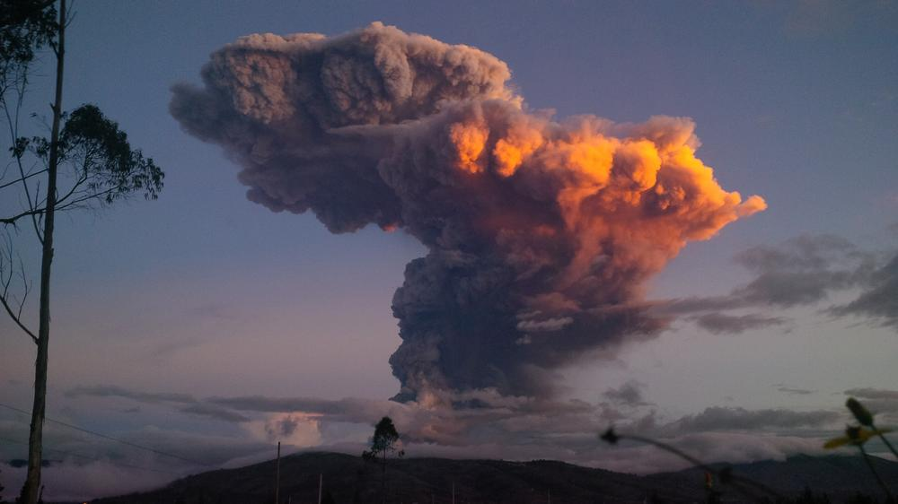 <p>On April 4, Tungurahua volcano in Ecuador spewed a 6-mile (10km) column of ash after a powerful five-minute explosion that shot extremely hot gas and rock into the atmosphere.</p>
