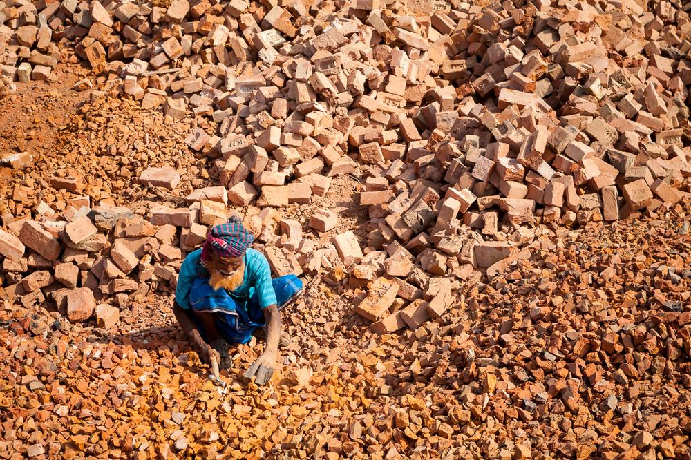 <p>Bangladesh, with its 160 million inhabitants, is a country in constant demand for affordable building material. Bricks have been the favoured material throughout history, and remain so until today.</p>