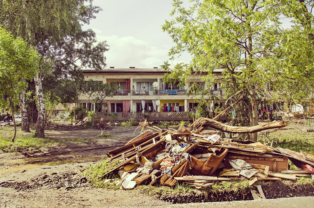 <p>This building, located just a couple of metres from the Bosna River, was damaged in the flood. One of the tenants said that they were lucky that the water stopped rising at the first floor.</p>