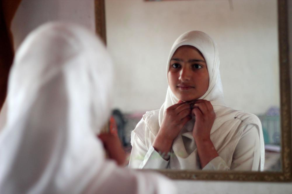 Kashmir's orphan girls | India | Al Jazeera
