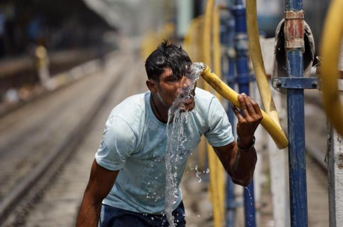 Protestas en India por cortes de energía 201467134229225621_20
