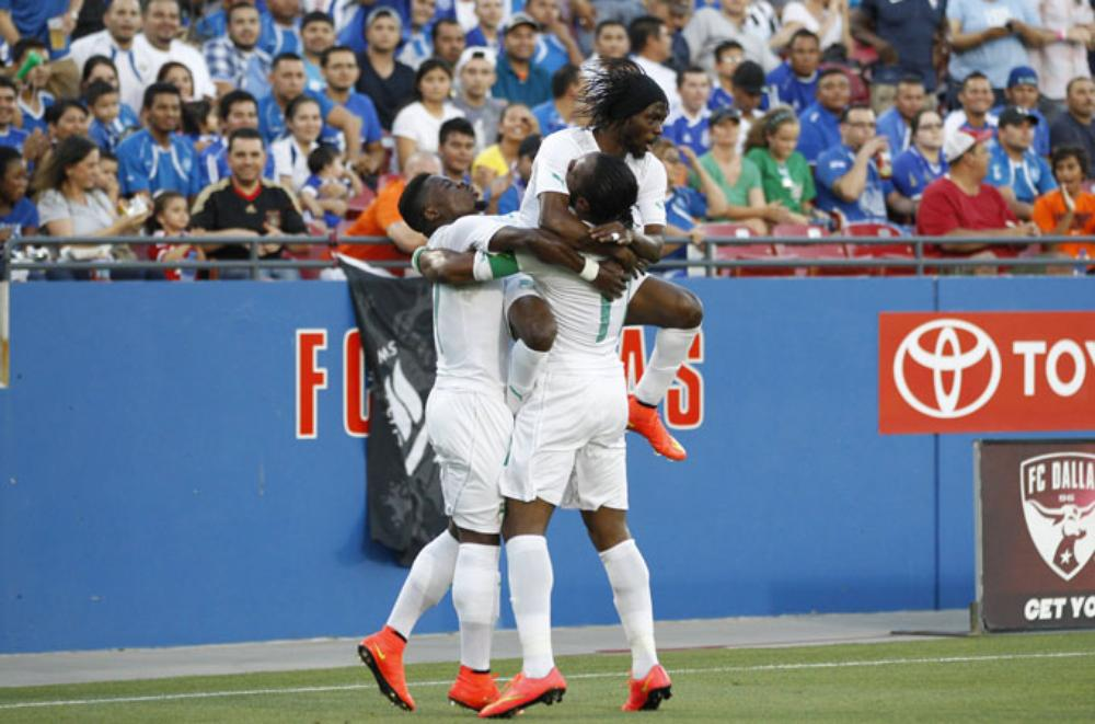 Ivory Coast cruised to a 2-1 win over El Salvador with Gervinho netted the opener after just nine minutes and Didier Drogba doubling the lead just before half-time.