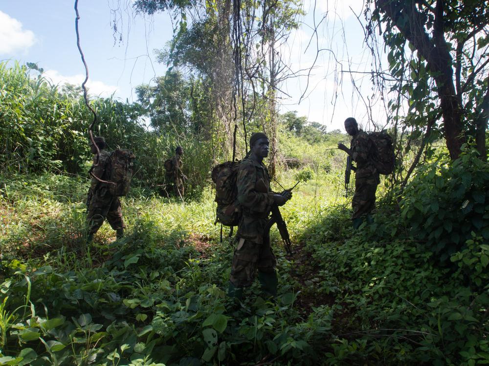 in pictures ugandas army hunts down kony al jazeera