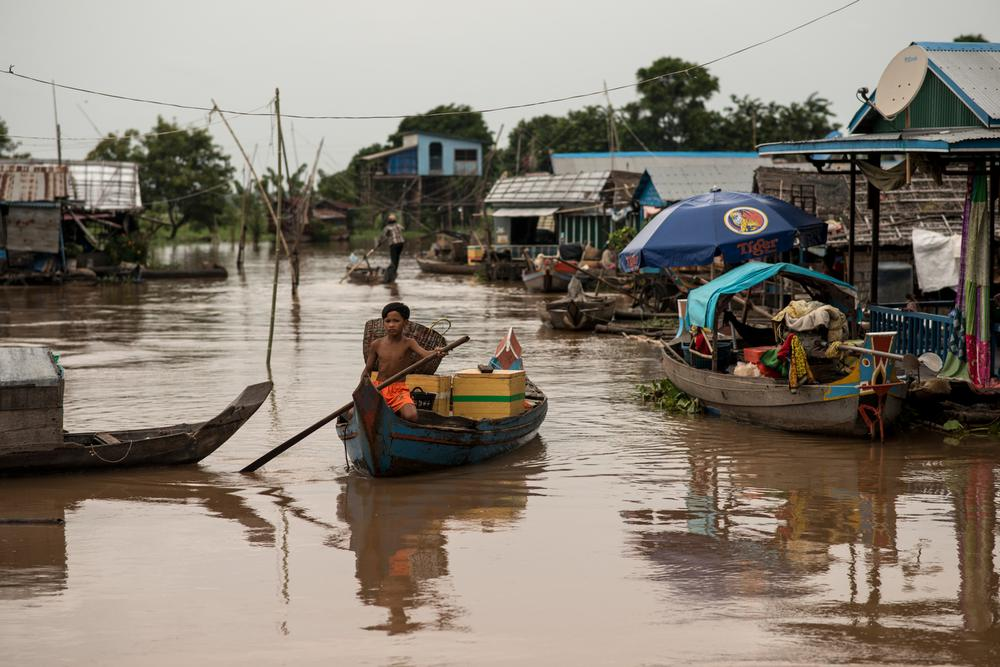 Southeast Asia(***)s largest freshwater lake, Tonle Sap, is home to most of the ethnic Vietnamese living in Cambodia.