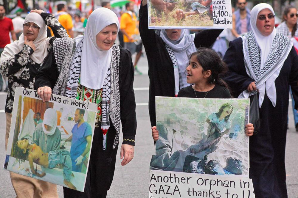 Maura Yasim and her neighbour Tasneel Falah joined thousands of protesters for the National March on the White House, which took a strong stand against Israel(***)s military offensive in Gaza.