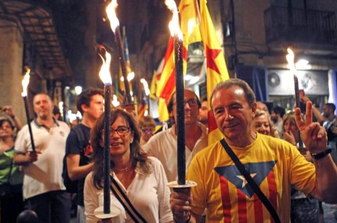 Thumbnail for Catalonia signs decree for independence vote