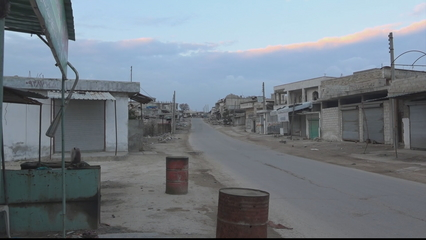 Syria's Idlib sees ghost towns as hundreds of thousands flee thumbnail