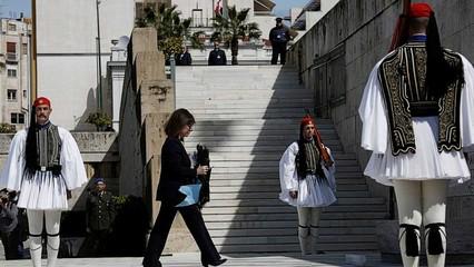 Visitors avoid Greece over virus fears, battering economy thumbnail