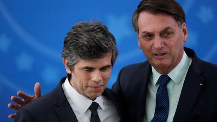 Brazilian President Bolsonaro defends firing of health minister thumbnail