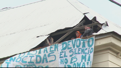 Argentineans protest release of prisoners over COVID-19 thumbnail
