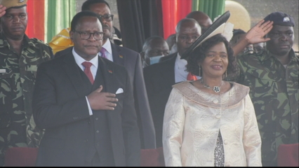 Malawi opposition chief sworn in as president thumbnail