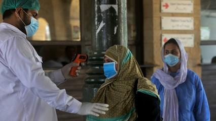 Pakistan COVID-19 infections pass 100,000 thumbnail
