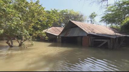 Kenya fears ecological disaster as two rising lakes get closer thumbnail