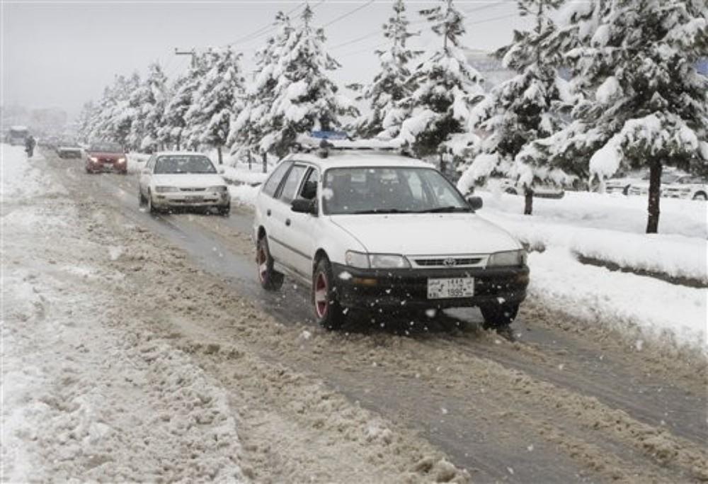 few lines on winter season in english