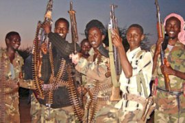 Islamic Courts fighters are advancing towards Baidoa, the government's only stronghold
