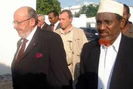 Louis Michel, left, and Sheikh Hassan Dahir Aweys of the Council of Islamic Courts have  held talks [AFP]