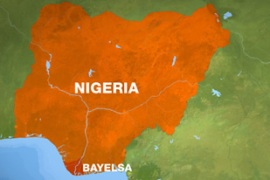 Armed men overrun Nigeria oilfield