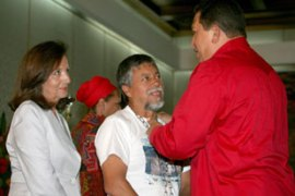 Chavez told hostages' relatives that he would offer to host talks and facilitate an exchange [AFP]