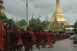 Monks have said they will boycott alms from members of the military and their families [www.dvb.no]