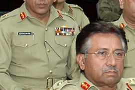 Kiani, left, is said to be a Musharraf loyalist [Reuters]
