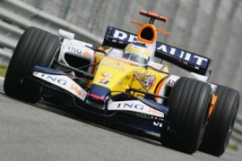 Renault to change drivers