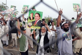 Thousands of Pakistani supporters welcomed Sharif after seven years in exile [AFP]